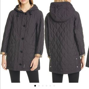 Burberry Roxwell quilted coat with check lining